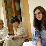 С Таней Рыбаковой и внучкой Машей. Малеевка. 2005