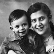 Лена с Виктором Николаевским, моим кузеном, будущим крупным ученым. 1937 год